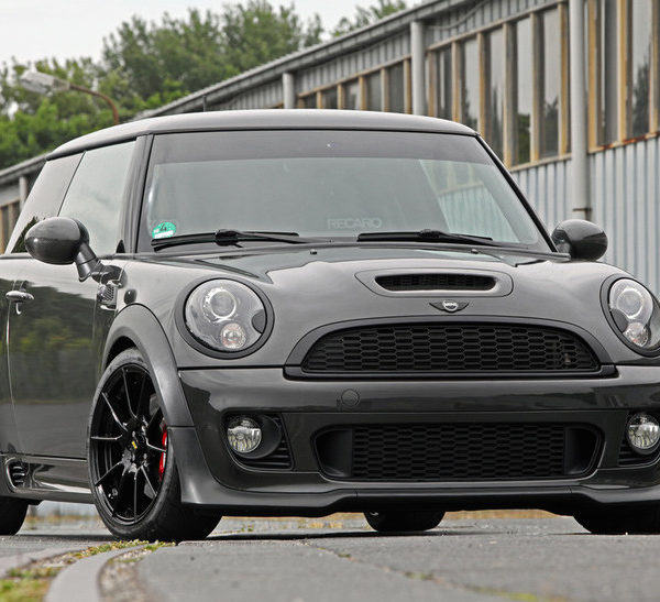 mini cooper r55 r56 r57 jcw style front bumper w carbon. Black Bedroom Furniture Sets. Home Design Ideas